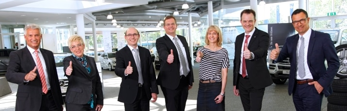 Mercedes benz ber uns karriere for Mercedes benz retail careers